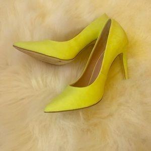 ❤️SALE!!!!❤️ DSW Neon yellow pumps 7.0